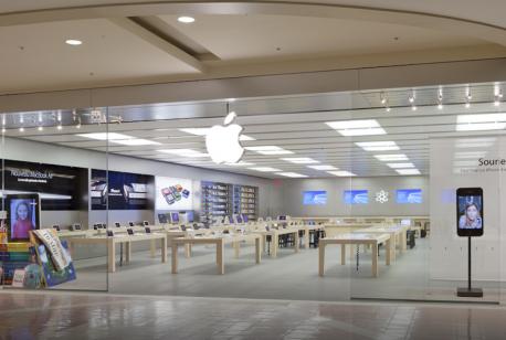 Image de l'intérieur de la boutique Apple de la Place Ste-Foy